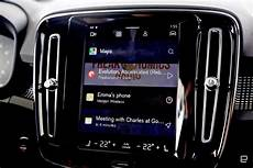 deezer android auto android p makes volvo s in car infotainment system even better