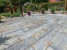 markante terrassenplatten in bahnschwellenoptik rimini
