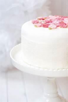 Kuchen Mit Fondant - dreierlei liebelei aller anfang ist gar nicht so schwer