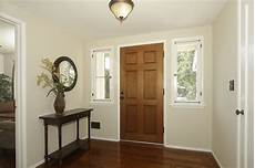paint color acadia white walls are barely beige benjamin we have this in our living room with acadia white trim