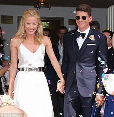 Mario Gómez Wanzung - acf fiorentina player mario gomez marries model