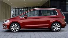 2018 volkswagen golf sportsvan sportier larger more