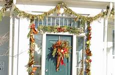 lichterkette fenster befestigen how to hang garland around a door and avoid damage