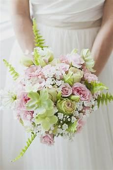 spring wedding spring wedding bouquet 2037021 weddbook