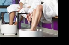 was tun gegen wassereinlagerungen wassereinlagerungen in der schwangerschaft feetastic