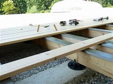 terrassenaufbau holz detail terrassen aus holz f 252 r ihre erholung im garten