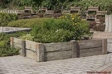 terrassenplatten nature in bahnschwellenoptik