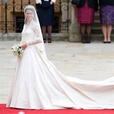 prix de la robe on peut s offrir la robe de mari 233 e de kate middleton 224