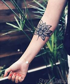 tatouage interieur bras femme 74093 idee tatouage femme interieur bras 9 best tatouage fleur de lotus lotus flower images on
