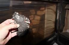 nettoyer vitre poele à bois tres sale astuce nettoyage 233 cologique de vitre insert de chemin 233 e