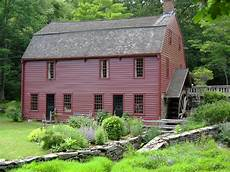 Gambrel Roofs 20 exles of homes with gambrel roofs photo exles