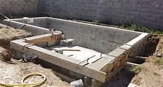 construire soi meme sa piscine faut il construire sa piscine soi m 234 me avantages et