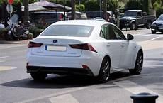 Lexus Is 300h Hybride 223 Ch L Essai Et Les 23 Avis