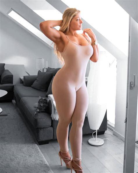 Mia Angel Nude