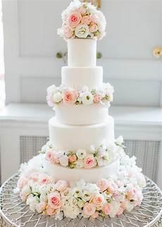 Fresh Flowers On Wedding Cakes