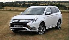 mitsubishi outlander phev hybrid 2019 uk price specs
