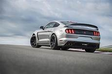 2020 ford mustang shelby gt350r dips into the pony car