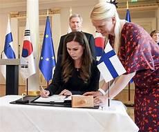 sanna marin 34 anni primo sanna marin diventer 224 primo ministro della finlandia sar 224
