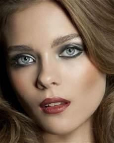 maquillage pour cheveux le maquillage des yeux verts pour cheveux blonds