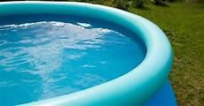 entretien d une piscine l entretien d une piscine gonflable guide piscine fr
