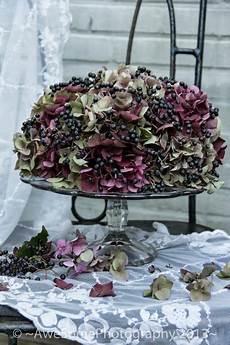getrocknete hortensien dekorieren awesomeliving een herfsttaart like this idea for a
