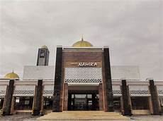 Masjid Namira Kebanggaan Orang Lamongan Yang Selalu Penuh