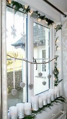 Herrrliche Weihnachtsdekoration Fensterbank Silberne