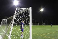 illuminazione impianti sportivi illuminazione led a reggio emilia il calcio sotto un