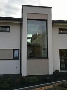 treppenhaus nachträglich anbauen podesttreppe panoramafenster anbau musterhaus atelierhaus