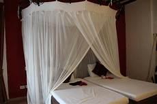 tende per letto a baldacchino letto a baldacchino con tende per eventuali zanzare