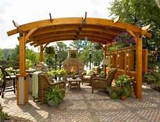 cheminée de jardin voici quelques photos de r alisation des pergolas de