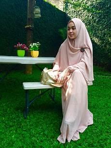 20 Model Busana Modern Dengan Jilbab Syar I