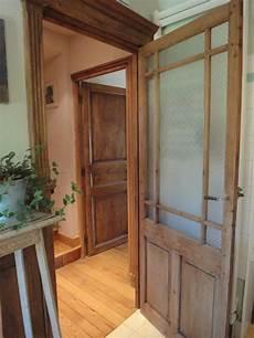 exemple de porte en pin restaur 233 e portes vitr 233 es