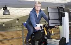 Un Simulateur De Moto De Course Utilis 233 Par Les Meilleurs