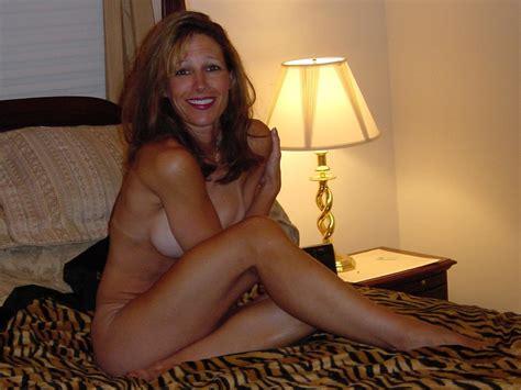 Shy Nude Amateur