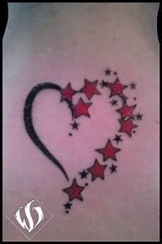 tatuaggio cuore con fiori gallery femminili