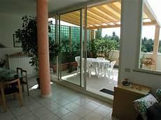 tettoie per terrazzi in legno tettoie per giardino in legno lamellare