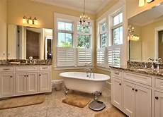 Bathroom Ideas Classic by Clawfoot Tub In Bathroom Vintage Bathroom Ideas 12