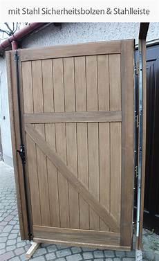 Doppelflügeltor Garage by Doppelfl 252 Geltor Aus Holz Garagen Holztor Massivholtor