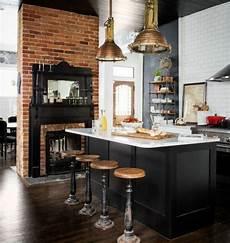 cuisine loft industriel magnifique chemin 233 e en briques ilot cuisine noir pan de