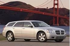 how does cars work 2005 dodge magnum auto manual 2005 08 dodge magnum consumer guide auto