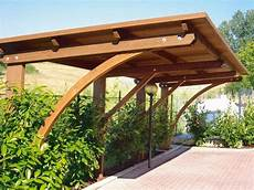 tettoie in legno per auto casette legno gazebo e tettoie il legno per proteggere l