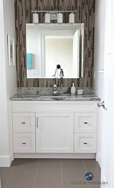 Bathroom Wall Tile Decorating Ideas by Small Bathroom Decorating Idea Glass Mosaic Tile On Wall