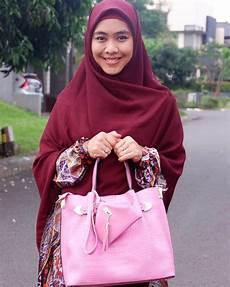 Tutorial Pashmina Ustadzah Oki Ragam Muslim
