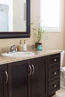 Bathroom Ideas Brown Vanity by Best 20 Brown Bathroom Ideas On Brown