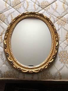 spiegel mit goldrahmen ovaler spiegel mit verziertem goldrahmen kaufen auf ricardo