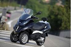 mp3 250ie vespa scooters