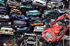 prime à la casse 2014 fichier epaves de voitures jpg wikip 233 dia