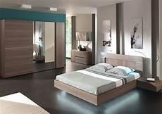 grand modele de chambre a coucher simple bain blanc lit