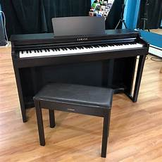 yamaha clp 625 digital piano smash new